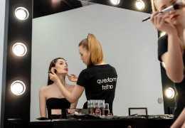 Iluminación de tu tocador: cuál es la mejor luz para maquillarse